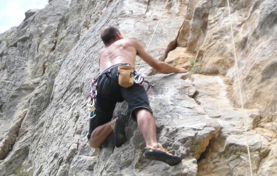 Multi-activites en Haut Languedoc : speleo, canyoning, escalade en terrain d'aventure, via ferrata, descente canoe, vtt, course d'orientation, randonnee