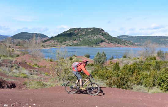 Tour du Lac du Salagou