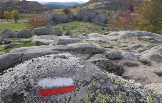 Passage à Mas Camargues, un des très beaux hameau du massif du Mont Lozere