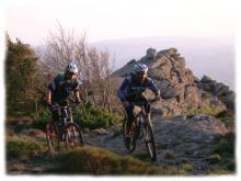 Le massif du Haut Languedoc offre des conditions optimales pour la pratique du VTT grace son climat et la variete de ses profils