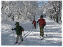 Les plateaux et grands espaces du Massif Central sont des sites privilégiés pour s'initier aux activités nordiques comme le ski de fond